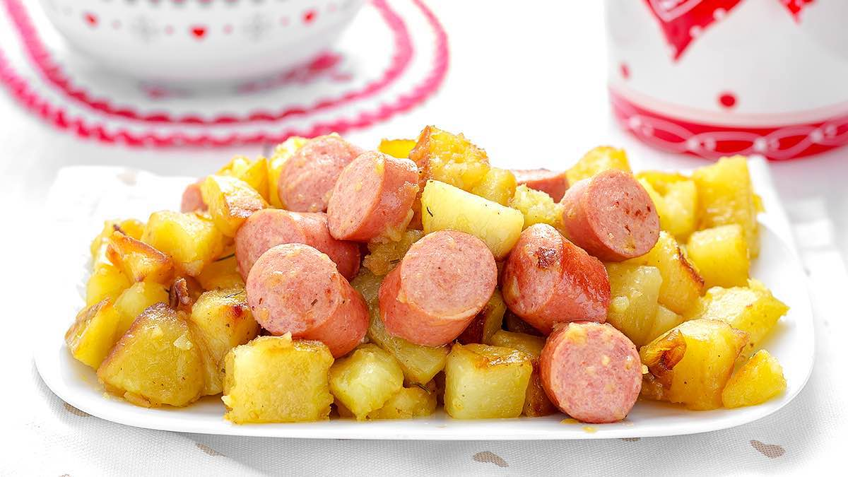 Recette poêlée de pommes de terre et saucisses de Francfort