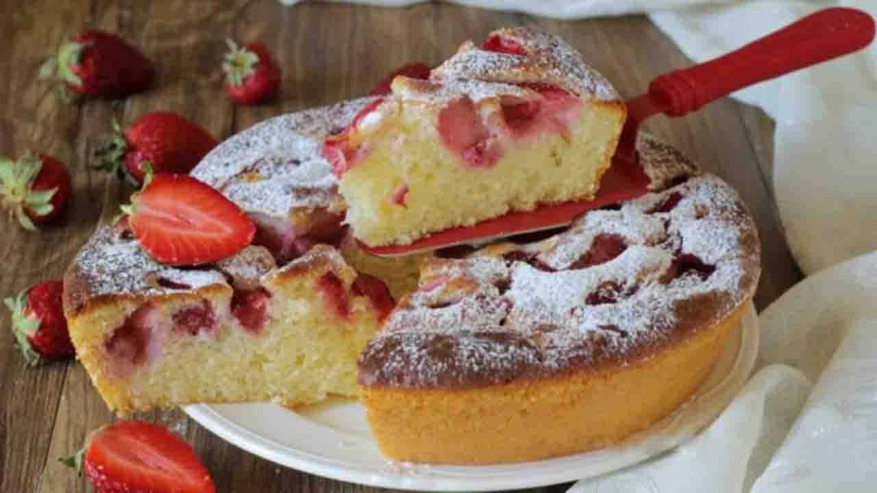 Gâteau au yaourt grec et fraises très gourmand